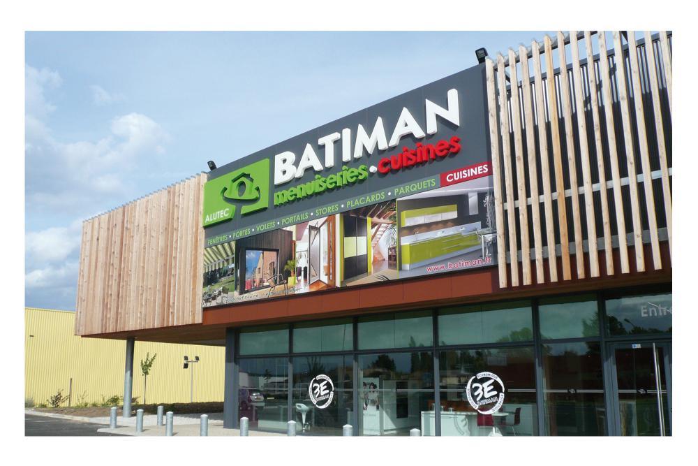 Enseignes extérieures pour les magasins Batiman 1